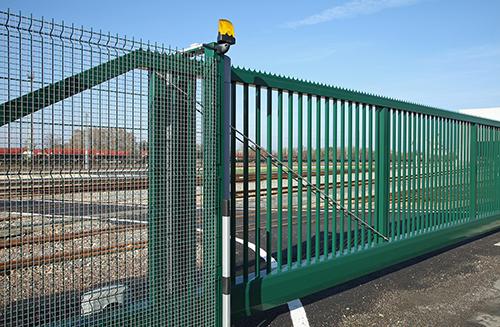 portail et clôture en grillage
